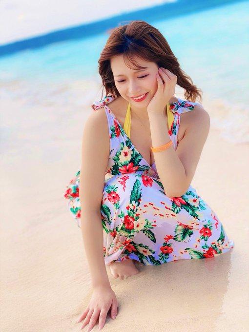 グラビアアイドル桜りんのTwitter自撮りエロ画像4