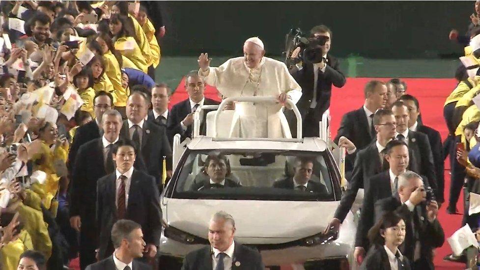 ローマ 教皇 ミサ
