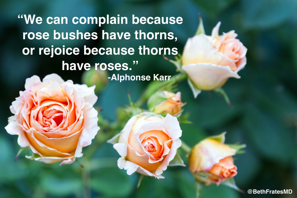 The way we look at a situation often determines if we feel like complaining about it or rejoicing. Perspective is 🗝️. #MondayMood #MondayMotivation #MondayMorning