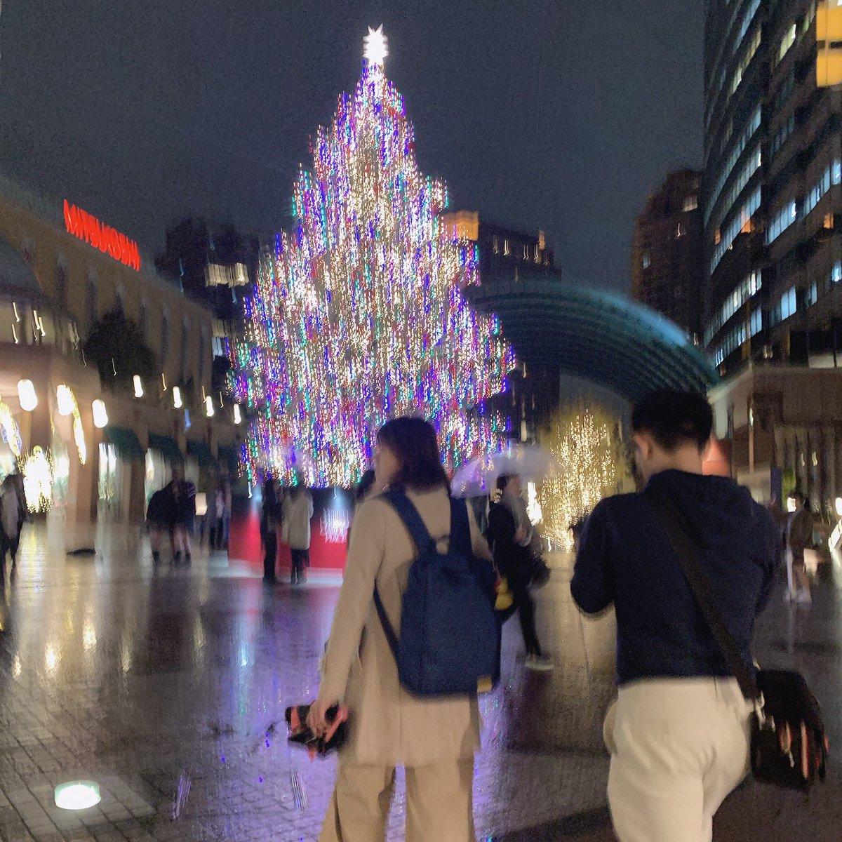 今の時期、クリスマスコフレとかクリスマスプレゼントとかカニ鍋とか寿司の美味しい季節到来とか、誘惑が鬼すぎて財布の紐緩みがちとかいうけど、そんなレベルじゃない。クレジットカードが唸る。クレカ唸る季節が来る。これだ。#クレジットカードが唸る #クレカ唸る #いきすぎるとクレカ歪む