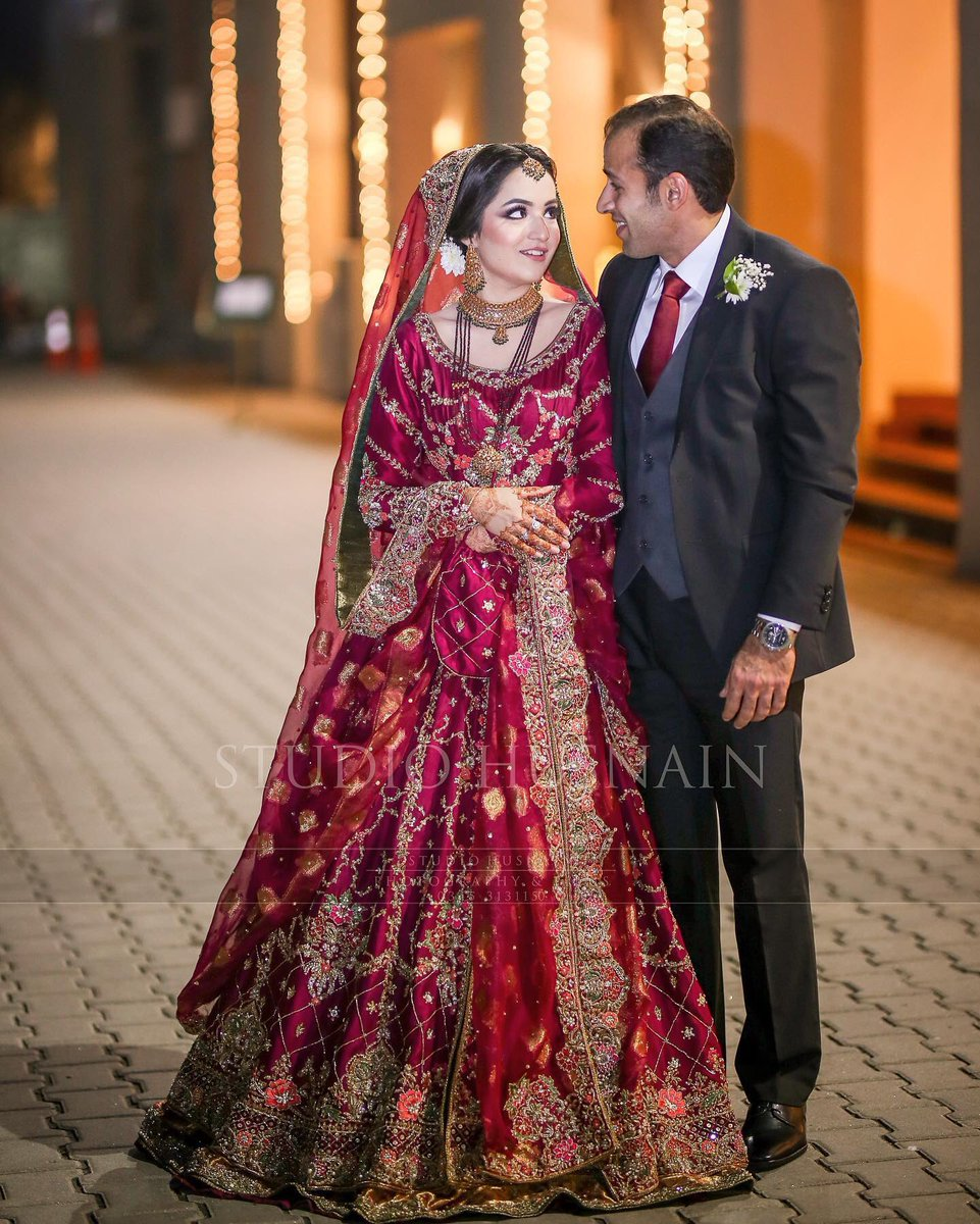 Pakistani Weddings Twitterren Love The Bride S Dress Pakistaniweddings Bridal Bride Groom Fashion Instafashion Mehndi Henna Wedding Shaadi Marriage Pakistan Lahore Desi Outfit Jewelry Follow Karachi Pakistani Potd Ootd