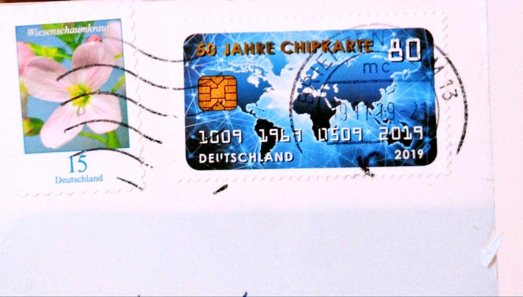 ドイツからのカードに面白い切手が!クレジットカードみたい。:+((*´艸`))+:。この切手は初めて見た!#ポスクロ #postcrossing