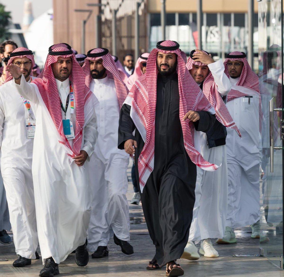وزارة الإعلام On Twitter صور سمو ولي العهد الأمير محمد بن سلمان يزور معرض الرياض للسيارات