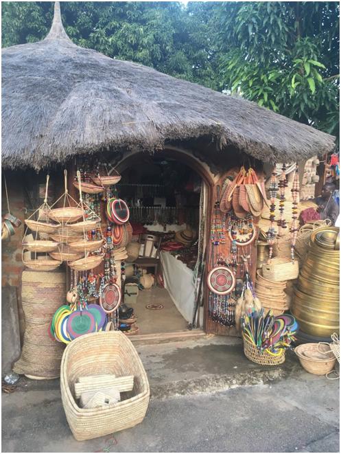 Abuja Arts & Crafts Centre #natureisamazing #pocket_world #ig_divineshots #visual_heaven #biodiversity #saveearth #loveearth #outdoorsy #outdoorfun #mountainscape #earthexperience #wildlifephotos #conservationphotography #natureiscool #natureislife #appreciatenature