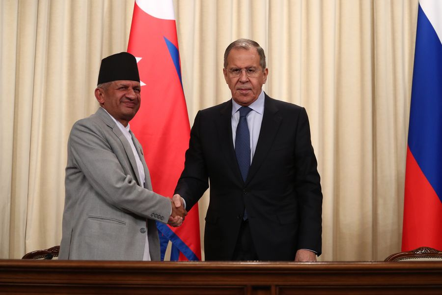 Russia and Nepal will sign a military-technical cooperation deal, and Russia plans to supply more helicopters to Nepal http://xhne.ws/P8Gic