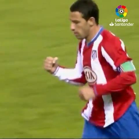 No era grande... ¡era MAXI! 🔝❤ 🔙 #TalDíaComoHoy @MR11ok hacía dos goles con el @Atleti en el Vicente Calderón. ⚽⚽ #LaLigaHistory