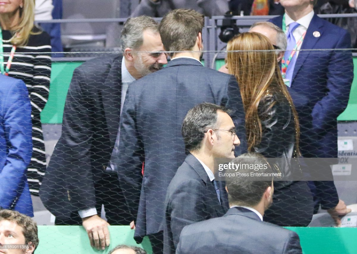 Shakira and Piqué with King Felipe of Spain at the #DavisCupMadridFinals [via Getty Images] <br>http://pic.twitter.com/GPiCWmMaul
