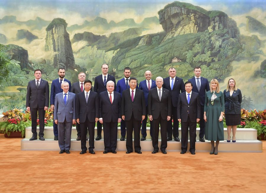 "Putin praises the ""unprecedentedly high level"" of Russian-Chinese relations http://xhne.ws/eTgsH"