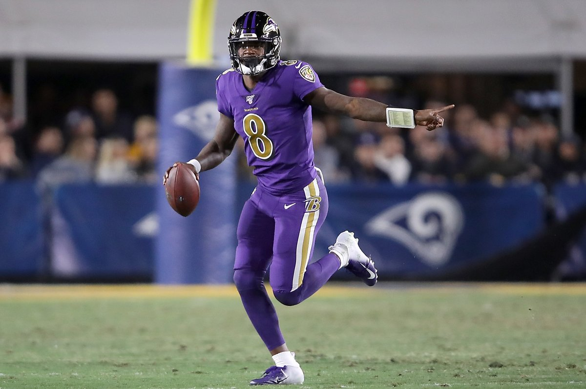 Lamar is shining bright in LA: 🔥 3 TDs 🔥 80 rushing yards 🔥 Ravens up 28-6 at halftime 🔥 Out-gaining Rams 167-99 on his own MVP business. @brgridiron
