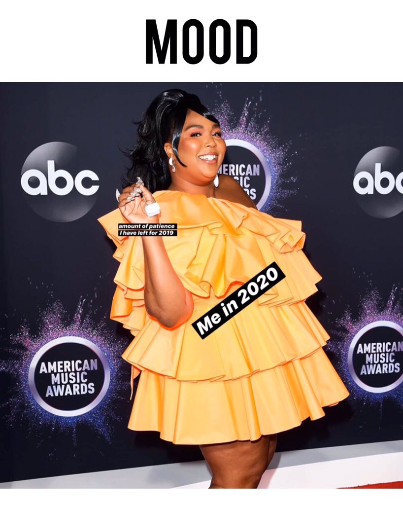 Me ready and excited for 2020. Also we're loving @lizzo's @maisonvalentino purse at the #AMAs this itty-bitty handbag is too cute. 💓