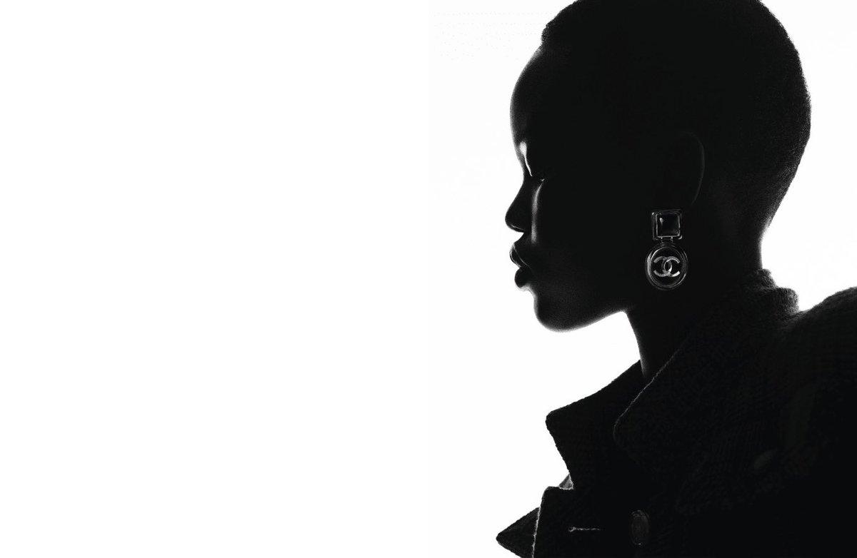Campagne pour la collection #CHANELCruise 2019-20, imaginée par #VirginieViard et disponible en boutique #CHANEL et sur https://t.co/Tl4kgzsjHX #DestinationCHANEL 👉 https://t.co/D1Kctf3DPO L'héritage de Coco Chanel #espritdegabrielle https://t.co/0FtzanSSyp