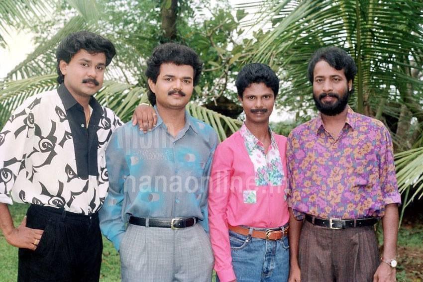 #Throwback #MalayalamActors   Dileep, Nadirshah, Indrans, Harisree Ashokan. pic.twitter.com/HmLE9PtHIO
