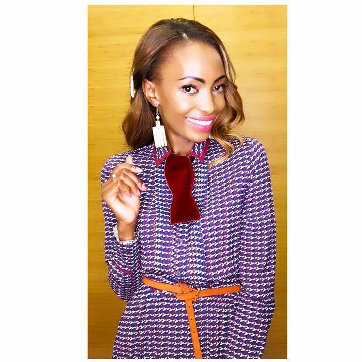 Ein Lächeln ist ein Licht, das Leben und Hoffnung sichtbar macht  . . . Happy day lovelies and don't forget to wear your beautiful smile #city #countryside #lady #keepingitelegant #womanwithclass #happy #soul #brendaseverin #personalstyle #potd #fashion #beauty #lifesty…pic.twitter.com/FnJIb7oCYz