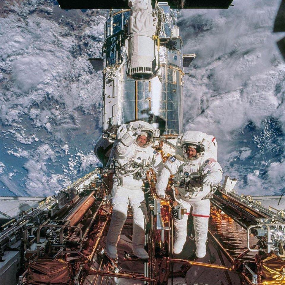 реальные астронавты в реальном космосе