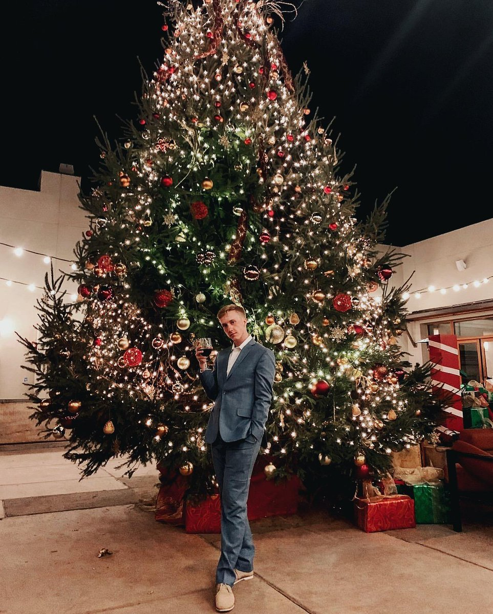 Join us as we unveil our dazzling holiday tree to the local community during our 5th Annual Tree Lighting Ceremony on Friday, December 6th at the Resort! 🌲✨ Details: https://t.co/RuVrJk6I4F 📷: refinedmischief #FourSeasons #SantaFe #NewMexico #Albuquerque #GirlsInc #FSHoliday https://t.co/vWsp5qAAkk