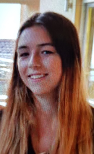 Can you please help locate Yasim RUOCCO WAKEFILD, a 15 year old missing from #Croydon Last seen in Coulsdon at 10:30hrs. Yasmin is F504, Slim, wearing a cream fur sheep coat, jean and black trainers, If seen please call 02086490145 and quote 19MIS046947