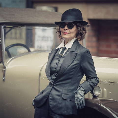 We are ever so slightly obsessed.   #designinspiration #peakyblinders #peakyblindersstyle pic.twitter.com/H5v2s93jFy