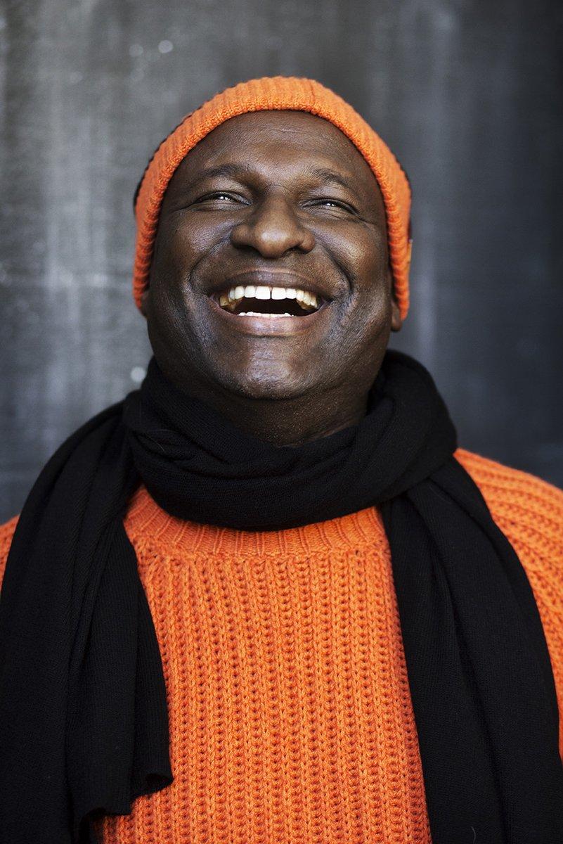 Onze eigen Baba Sylla in de kleding van @sogoodtowear X Orange Babies. Met de opbrengsten kunnen wij de kinderen uit Zambia voorzien van een uniform, schoolgeld en voeding. Zonder schooluniform mogen zij niet deel nemen aan het onderwijs. #cashmerewithacause #creativeinbeatinghiv https://t.co/if8p3JUCJ1