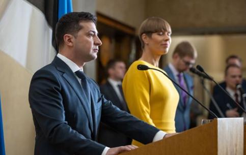 А могли бы и рояль подарить... Реакция ФОТОжаберов на неоднозначный подарок Президенту в Эстонии - Цензор.НЕТ 2637