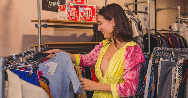 Donate an item of clothing at next months charity fashion pop up with @IamLauraJackson in exchange for FREE beer. ow.ly/SPmF30pWoIr