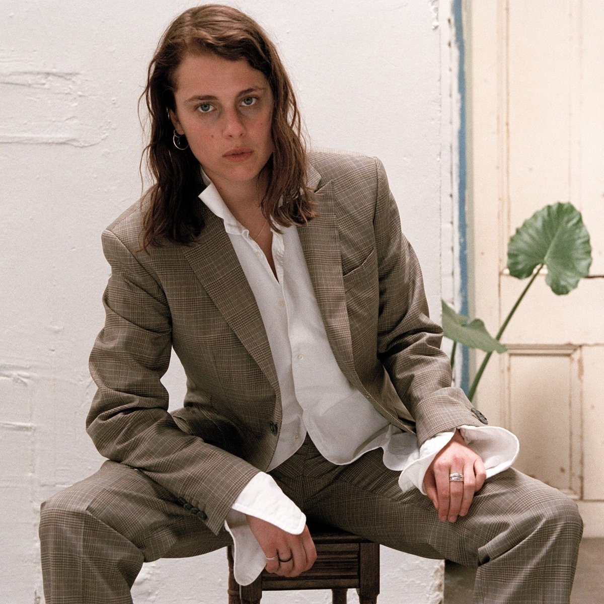 Todays Song of the Day (as chosen by @djcherylwaters) is conventional ride by London-based artist @MarikaHackman, out now via @subpop! Download FREE + subscribe to the Song of the Day podcast: ow.ly/ec5P50xliDE