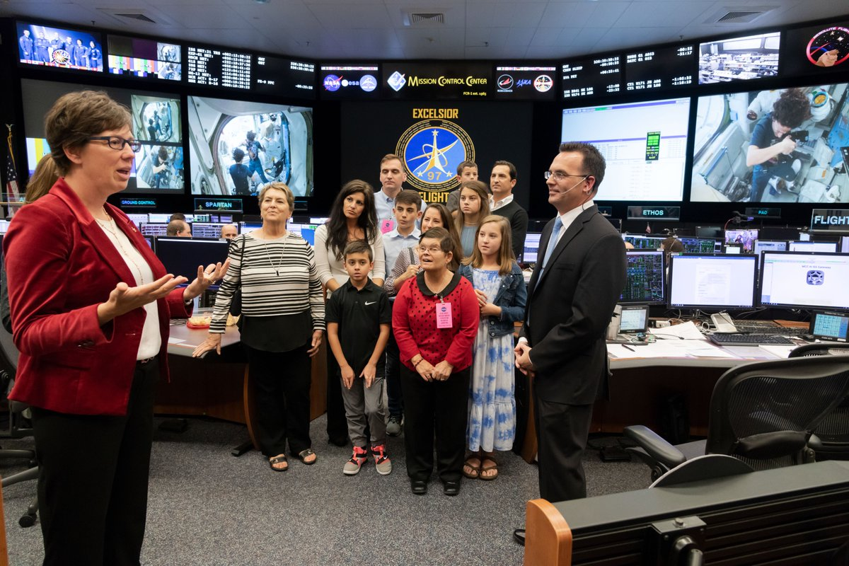 Paul Konyha was congratulated by his family and colleagues as he recently completed his first solo shift as a @NASAFltDirector! Konyha served for 20 years in the @USAirForce before joining the @DeptofDefense Space Test Program office at JSC. His call sign is Excelsior Flight.