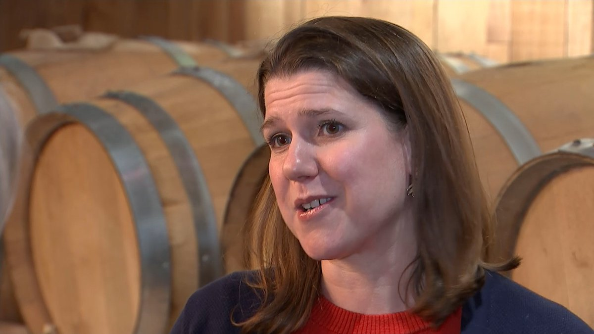 Its probably harder for my mum @Libdems leader Jo Swinson says trolling affects her family itv.com/news/2019-11-2…