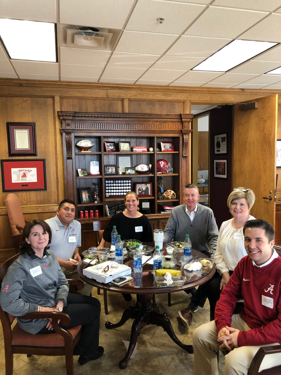 Enjoyed another @UA_Athletics #LunchBunch today. Pictured from L to R - Ginger Gilmore - Behavioral Medicine Francisco Sandoval - Facilities Liza Edmiston - Academics GB - Tall Specialist Kristin Isbell - Development Nathan Sheehan - Media Relations #RollTide 🐘