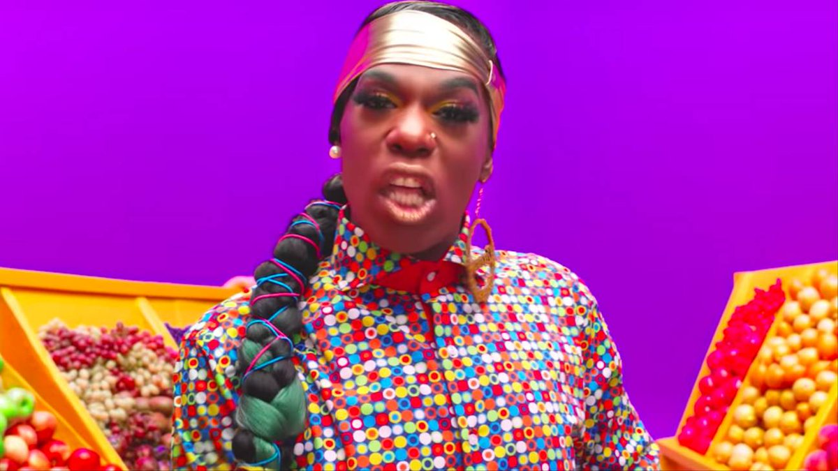 .@bigfreedia makes it TWERK in colorful video for #Louder: on.mtv.com/34oBJty 💥