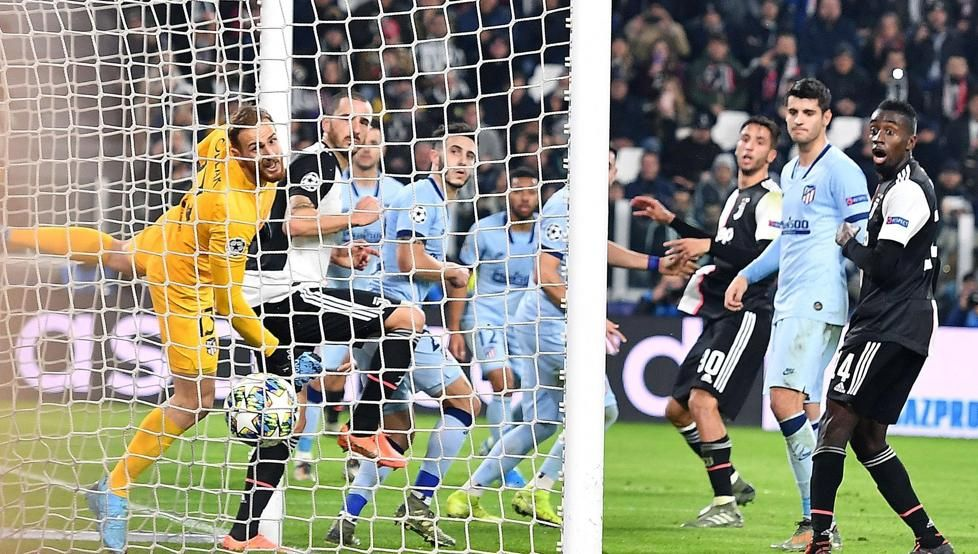 📋 CRÓNICA 📌 Dybala castiga al Atlético, que se lo jugará todo ante el Lokomotiv ➡ buff.ly/2KXmjoq #JuveAtleti #ChampionsLeague