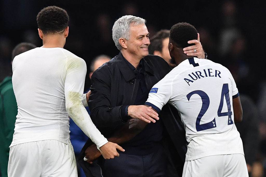 Jose Mourinho is the first manager in history to qualify for the Champions League knockout stages with six different clubs.  Porto Chelsea Inter Real Madrid Man Utd Tottenham  #UCL<br>http://pic.twitter.com/miwQlnoLBi
