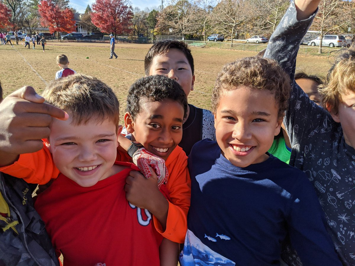 4th graders had a great time at the Turkey Bowl today! <a target='_blank' href='http://twitter.com/APS_ATS'>@APS_ATS</a> <a target='_blank' href='https://t.co/D2EoTQ3xup'>https://t.co/D2EoTQ3xup</a>