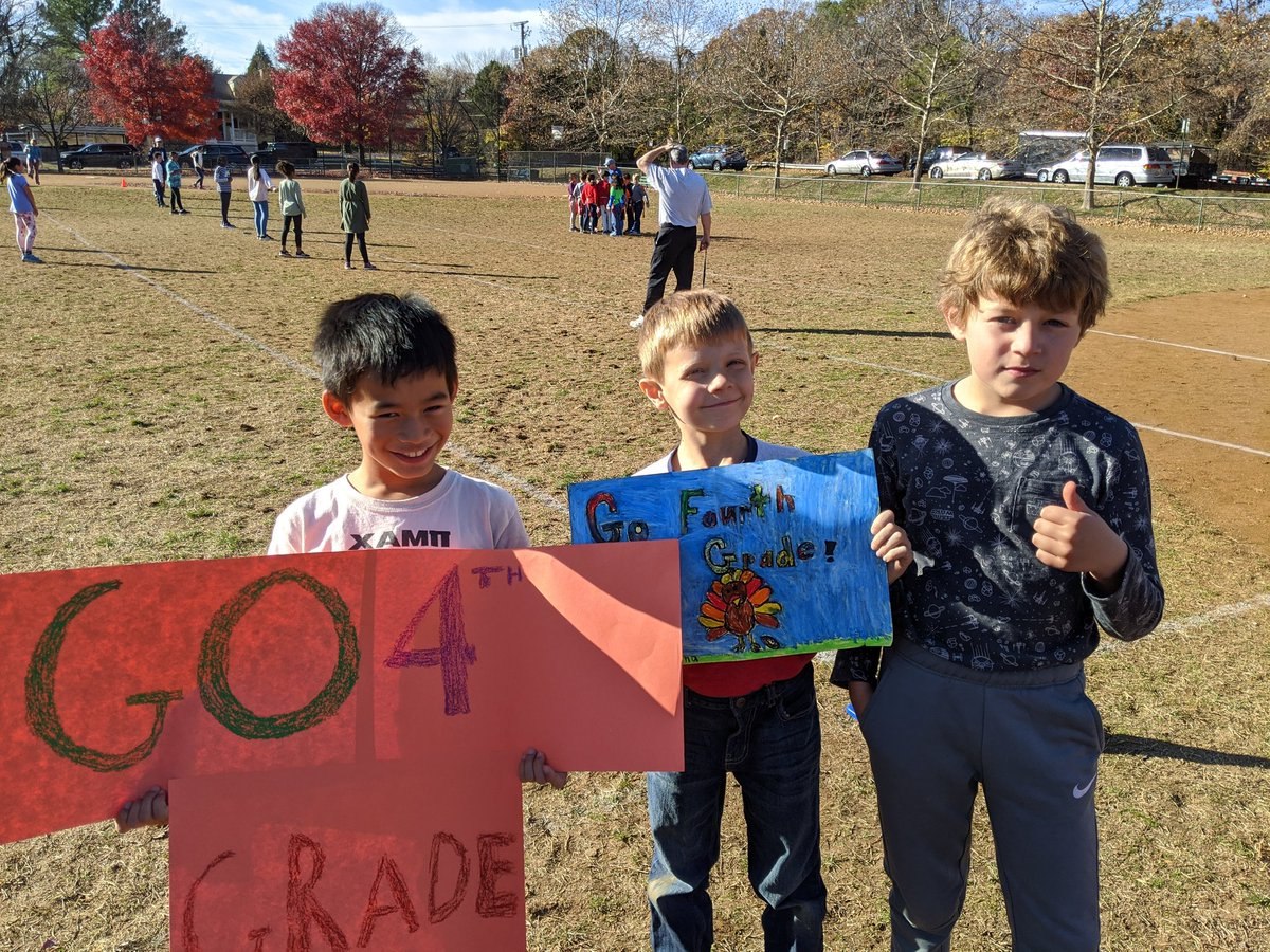 ATS 4th graders showed their spirit at the Turkey Bowl! <a target='_blank' href='http://twitter.com/APS_ATS'>@APS_ATS</a> <a target='_blank' href='https://t.co/ehZ96fDCzj'>https://t.co/ehZ96fDCzj</a>