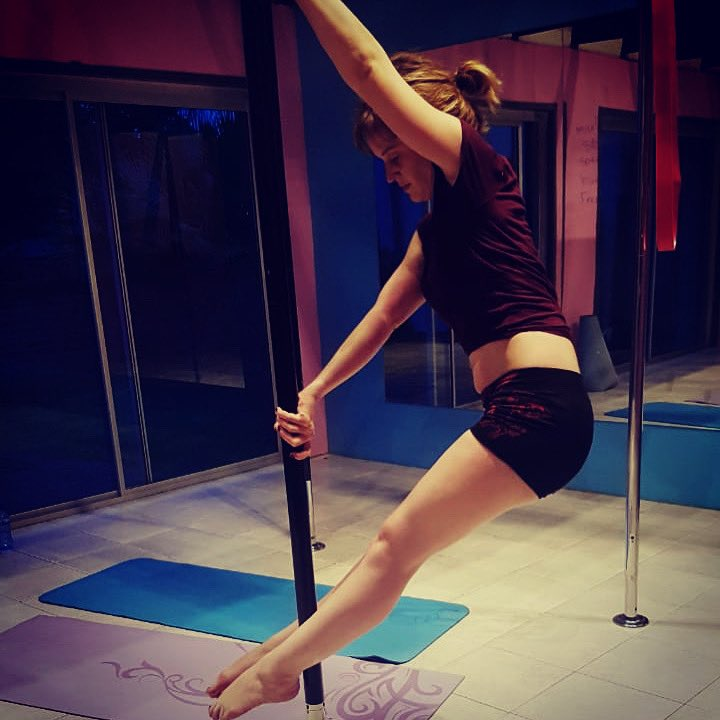 Back at class today for the first time since my accident and I could not be more thrilled!  #nopainnogain #progressnotperfection #selfcare #findingbalance #polefitness #poleworkout #polebeginner #polestudent #fitness #fitmoms #neeknacks #momlife #blogger #sa #positivevibespic.twitter.com/weUg7mrhkY