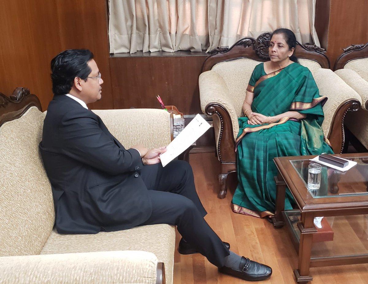 Shri @SangmaConrad, Honble Chief Minister of Meghalaya, calls on Smt @nsitharaman