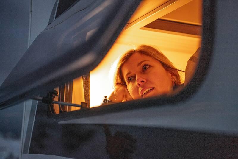 ¿Lo veis? Eso que está al horizonte son las vacaciones de navidad, que ya llegan… ¿Y si las pasamos en una de nuestras #autocaravanas Hobby? #autocaravana #hobby #motorhome #travel #christmas