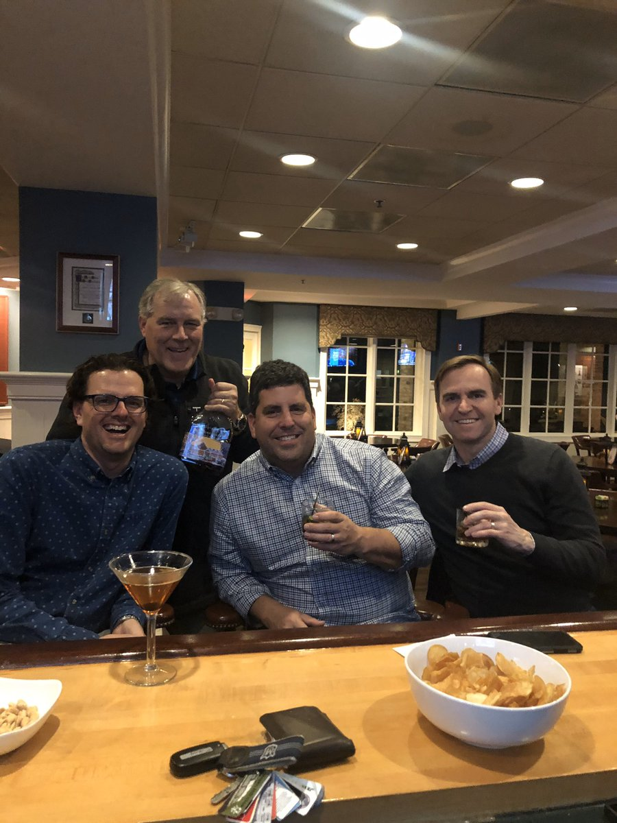 Fun times last night drinking bourbon with some good friends. Nice to get out on Tuesday night before the holidays. #FinerThingsClub <br>http://pic.twitter.com/JgdCyHi1Hy