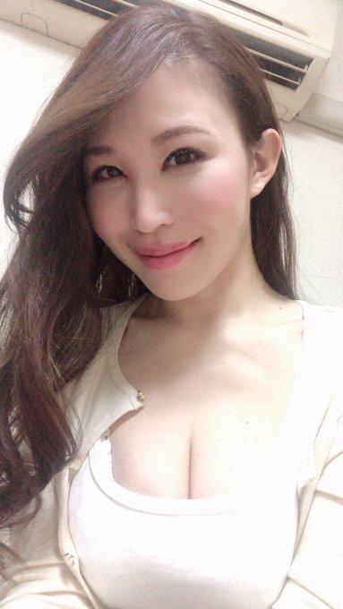 AV女優凛音とうかのTwitter自撮りエロ画像15