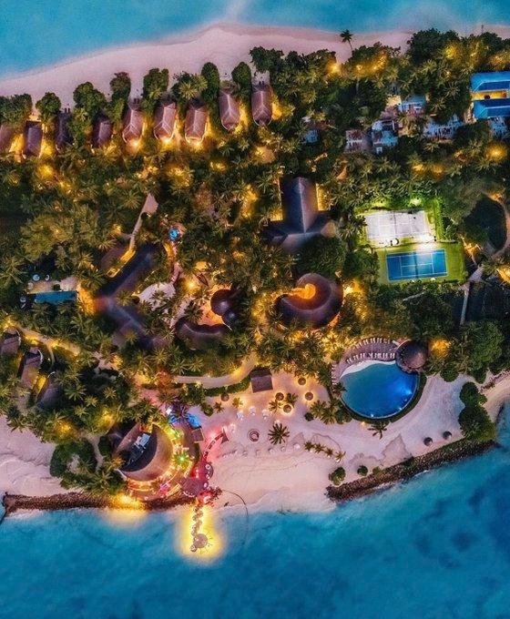 Maldives at Night 🌴⛵️ So beautiful, heaven 😍 ~ 📷 K Timon