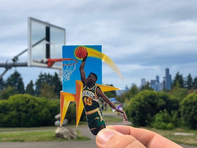 Happy Birthday Shawn Kemp. One of the best dunkers ever to play.