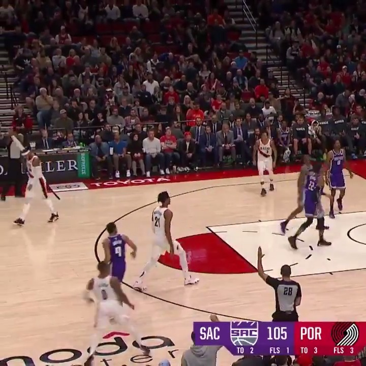You can already tell Dame & Melo love playing next to each other👀 Melo knew that was going to be a bucket from Dame #RipCity