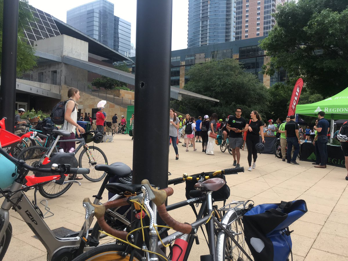 this but #Austin #BikeToWorkDay https://t.co/0ycs3kBfvk https://t.co/EVLtTvTiNE