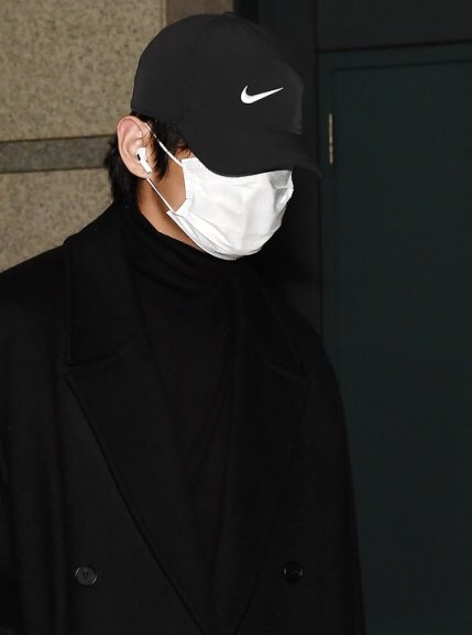 BTS came back in Korea on 12/5 after MAMA in Japan @BTS_twt  At Incheon Airport Taehyung & Jungkook <br>http://pic.twitter.com/cT7eG0lAQ2