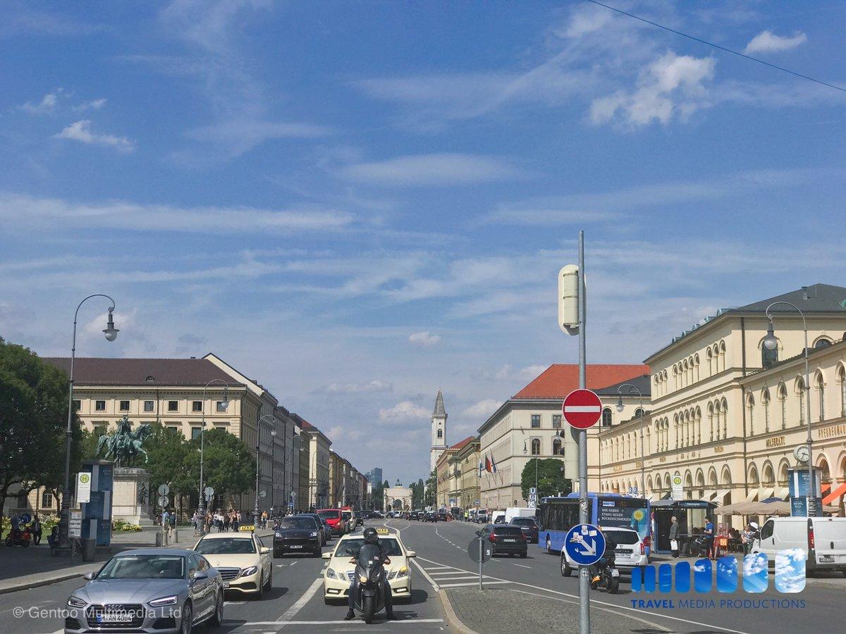 On the streets on Munich • • • • • #bayern #munich #bavaria #munchen #deinbayern #visitbavaria #oktoberfest #wiesn #travelling #münchen #traveler #minga #tourism #089 #travelingram #igersmunich #dirndl #igtravel #munichstagram #europepic.twitter.com/IDG32fyHsN