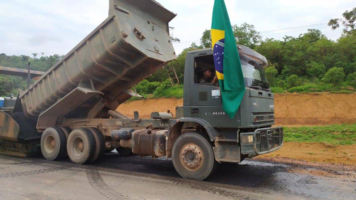 #MissãoCumprida Primeira fase da obra concluida! Muita dedicação e compromisso com o Brasil! Foram mais de 50km de asfalto na BR-163, Pará. Parabéns a todos os guerreiros envolvidos. #ENGENHARIA #SELVA #8BEC