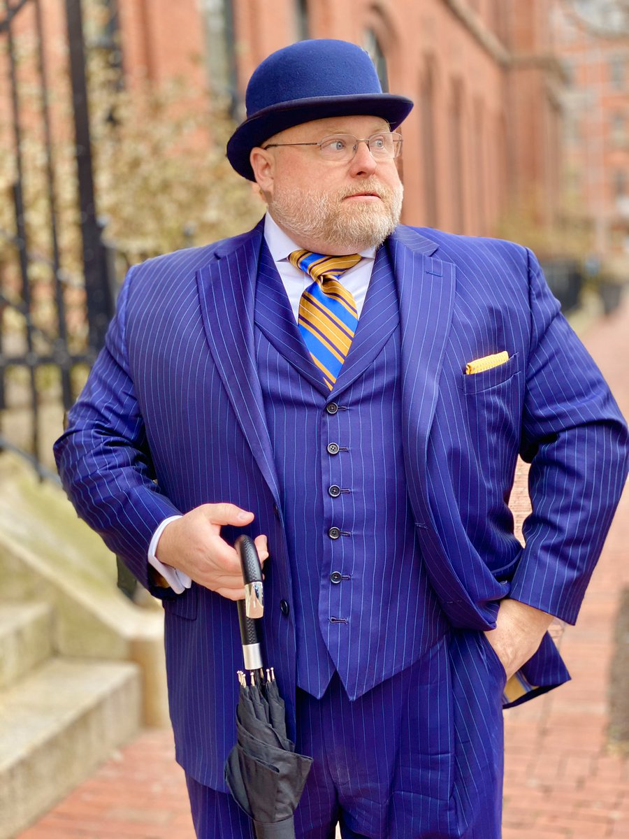 """Random guy: """"Wow! (points at my clothes) You just don't see that every day!"""" """"Every time I hear that I pray you are referring to the suit and not, you know, pants in general."""" Suit: Martin Greenfield  Tie: London-York  Shirt: Brooks Brothers  #fashionblogger #mensfashion <br>http://pic.twitter.com/TBOjJFm4ma"""