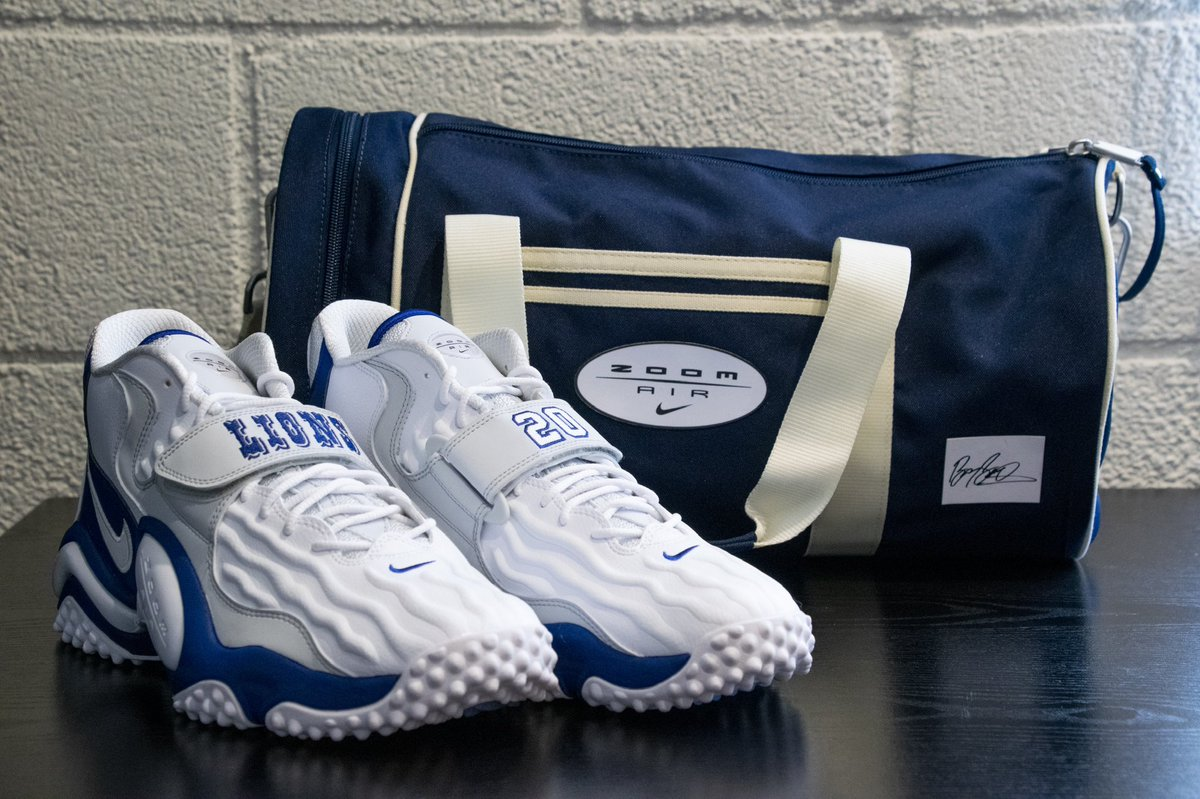Thank you to my brotha, @BarrySanders, for these limited edition sneakers! 💪🏾🙌🏾🙏🏾