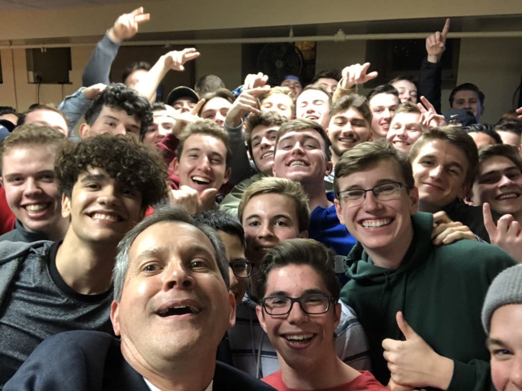 Annual alumni selfie with our newest alums! Huge turnout @HolyGhostPrep @HGPAlumni #ThinkAlumni #ThinkGhost