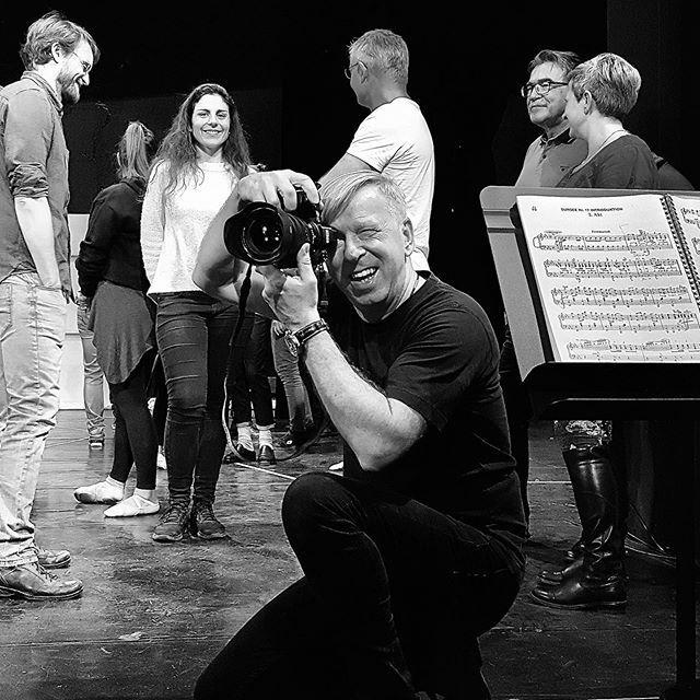 Auslöser ... #stadttheatersursee #theater #theaterfotografie #sbf_member #artundfoto  #fraulunapic.twitter.com/PKHgxW7z4B