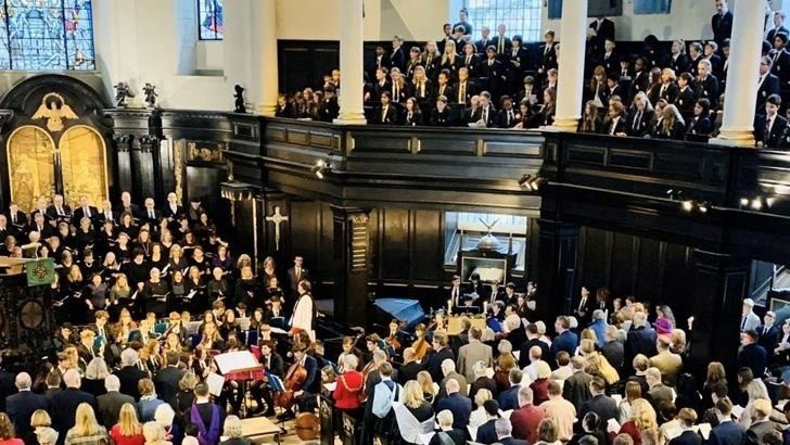 @SCDSchool celebrated its annual Commemoration Day at St Clement Danes Church in the Strand. The service, attended by students, staff, parents & @LM_Westminster was conducted by the Reverend (Wing Commander) David Osborn, Resident Chaplain at the Church. https://t.co/KvOBdkWqR8 https://t.co/PDLyzpxCQY